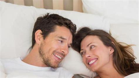 lima manfaat berhubungan seks bagi kesehatan suami dan