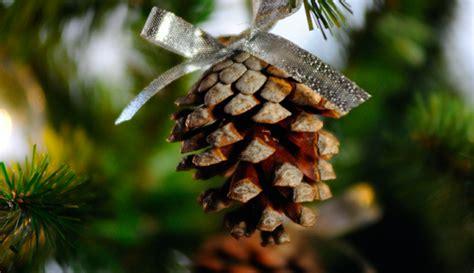 decorare pigne x natale pigne per albero di natale ze96 187 regardsdefemmes