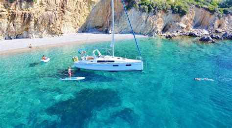 sailing jobs greece sailing holidays jobs home facebook