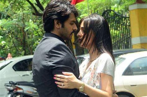 aktor film rangrasiya maayra to develop a soft corner for rudra on colors