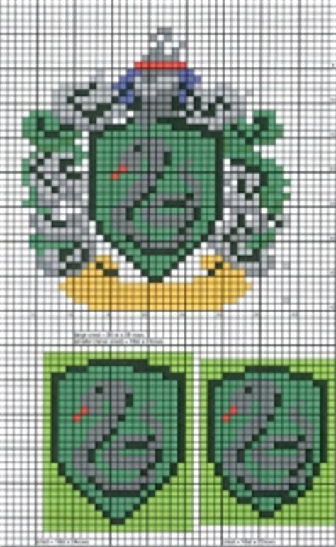 harry potter knitting charts slytherin crest knitting chart hogwats