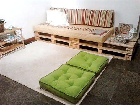 sofa pallet 125 sof 225 s de pallets de madeira criativos e passo a passo diy
