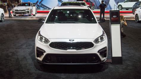 kia forte gt  prioritizes thrift  shifts