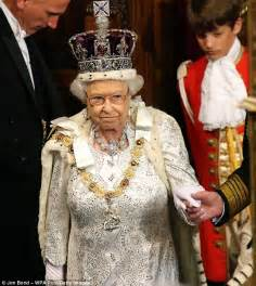 elizabeth ii last name 28 images this is why the royals don t use a last name indy100 royal