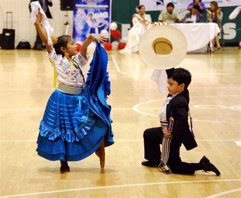 imagenes infantiles niños bailando imagenes de ni 241 os bailando marinera imagui