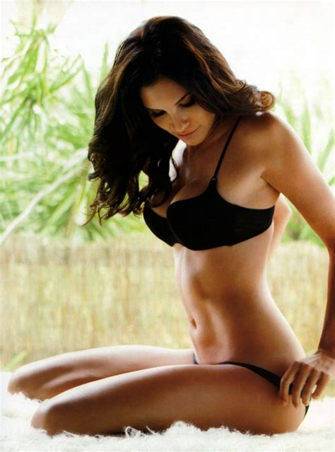 hot chick on ncis los angeles beautiful actresses on pinterest rosario dawson paula
