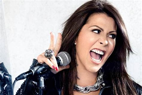 alejandra guzman alejandra guzm 225 n asusta a sus fans por una foto de su