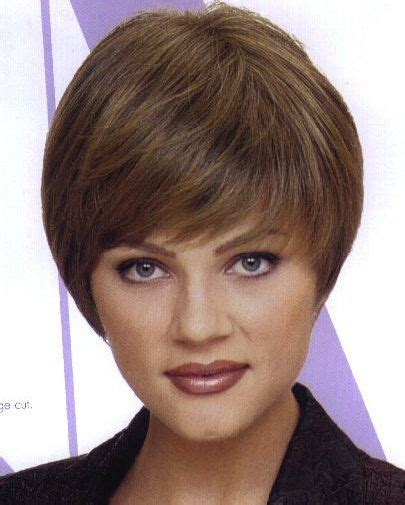 pictures of a modified wedge haircut short wedge hairstyles for women classic wedge cut