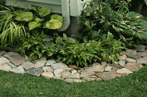 Rock Edging For Gardens Flower Beds With Rock Borders Home Design And Decor Reviews