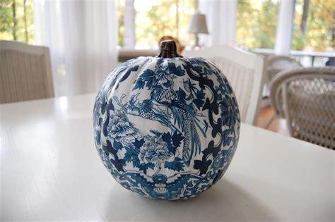 Decoupage Pumpkin - decoupage a pumpkin to match your decor