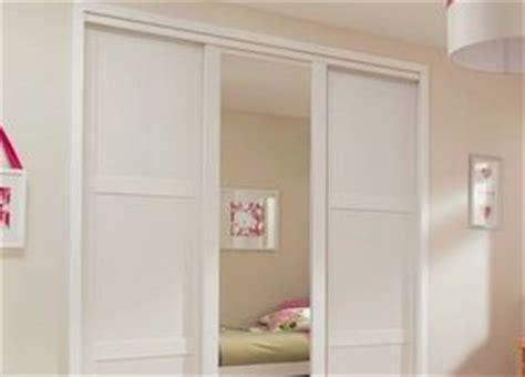 Shaker Style Sliding Closet Doors B Q Shaker Style White Sliding Door Bedroom Compare Independent Bedroom Price