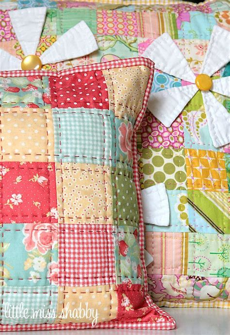 Patchwork Pillow Pattern - 25 best ideas about patchwork pillow on