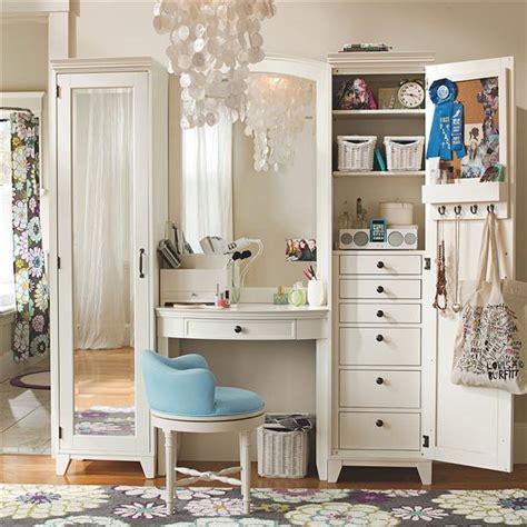 Indian Vanity Case: Dressing Room & Storage Ideas