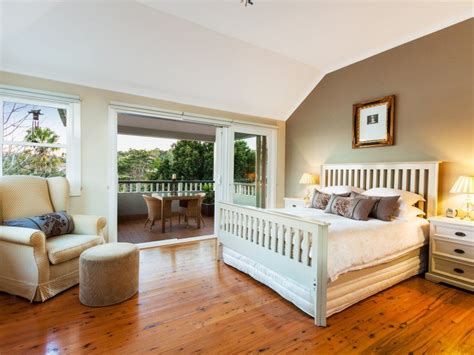 country bedroom designs bloombety country bedrooms ideas with wooden floor country bedrooms ideas