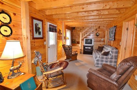 Cabin Rentals In Pittsburg Nh by Cubs Cabin At Timber Lodge Pittsburg Nh