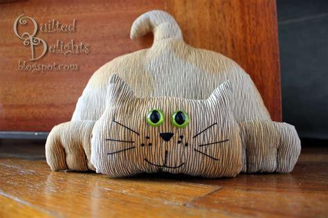 cat door stopper pattern quilted delights don t let the door stop you blog hop