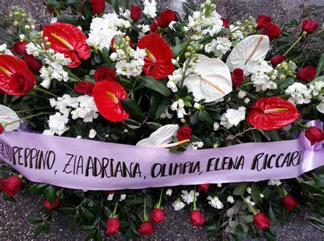 cuscino per funerale fiori per funerale a roma cuscino di sole orchidee