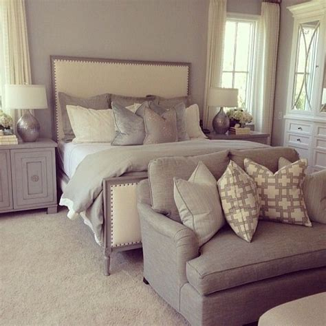 white and cream bedroom 25 best ideas about couch pillow arrangement on pinterest