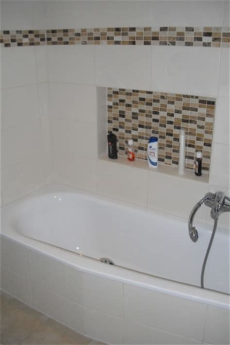 dekorierte badezimmer badablagen 16 gestaltungsvorschl 228 ge f 252 r ablagen im bad