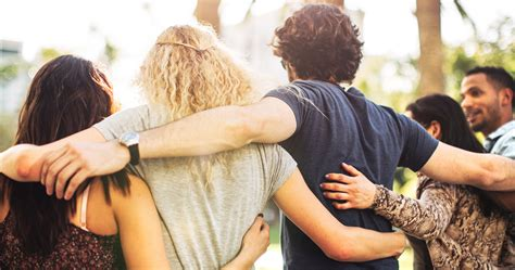 A Friendship S friends hug www imgkid the image kid has it
