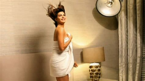 sex videos at bathroom jacqueline fernandez looks super hot in towel youtube
