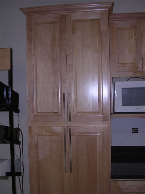 rta cabinet broker 2p canadian maple 200 kitchen