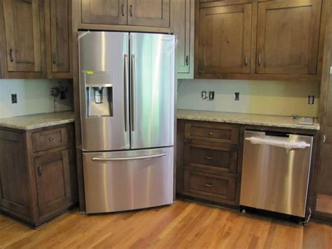 What To Put In Corner Kitchen Cabinet The Cabinet Maker Thought It Would Be A Better Use Of Space To Put The Refrigerator In The