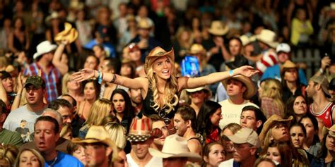 country fan 2018 stagecoach festival festivals eventful