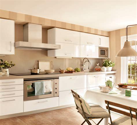 cornisas cocina cornisas para muebles de cocina simple cornisas para