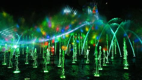 adventure park holiday lights world of color season of light show disneyland resort