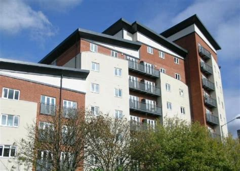 2 bedroom flat to rent in slough 2 bedroom flat to rent in aspects court windsor road