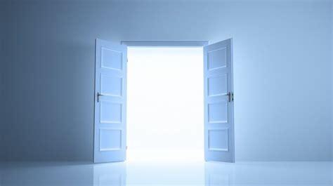 Pintu Pintu Kebaikan jadilah pembuka pintu kebaikan khotbah jumat