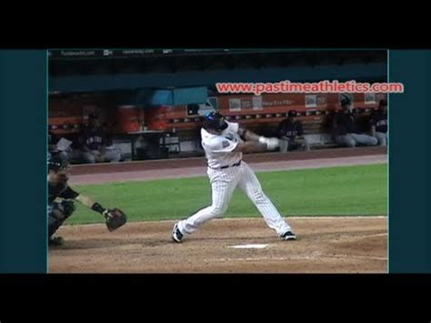 miguel cabrera slow motion swing miguel cabrera home run slow motion baseball swing