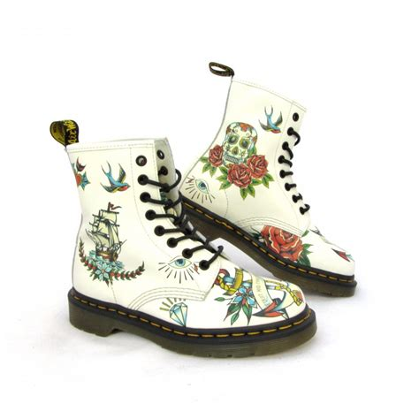 Sepatu Boot Dr Marten Code Dr 02 dr martens shoes boots and sandals buy dr martens at