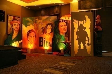 themes love bollywood love bollywood here s how you can use it in your wedding