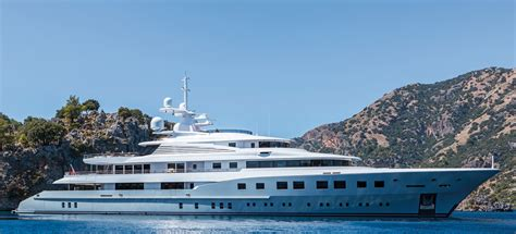 yacht axioma layout superyacht axioma ex red square yacht charter