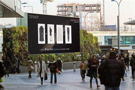 Topshop Creates A Social Catwalk For London Fashion Week topshop london fashion week stackla social media