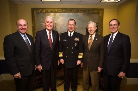 Cno Description by File Us Navy 061205 N 0696m 018 Chief Of Naval Operations Cno Adm Mike Mullen Meets With
