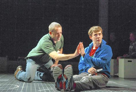 curious incident of the in the nighttime chicago curious incident of the in the time broadway review chicago tribune
