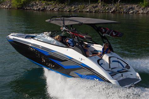wake boat engines 2016 new yamaha 242x e series ski and wakeboard boat for