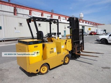 swing mast forklift drexel electric 3 000 lbs forklift narrow aisle swing