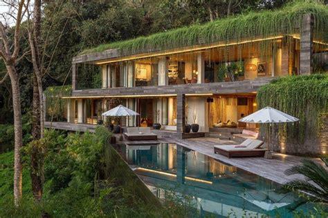 villa chameleon features breathtaking views