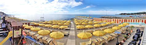 bagni esperia varazze bagni paolina club varazze spiaggia in centro molo surf