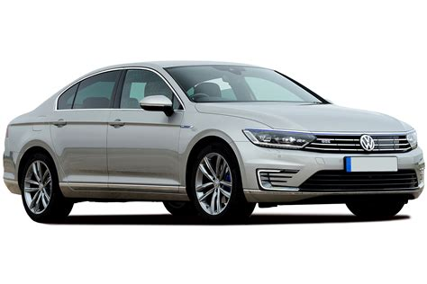 passat gte volkswagen passat gte in hybrid review carbuyer