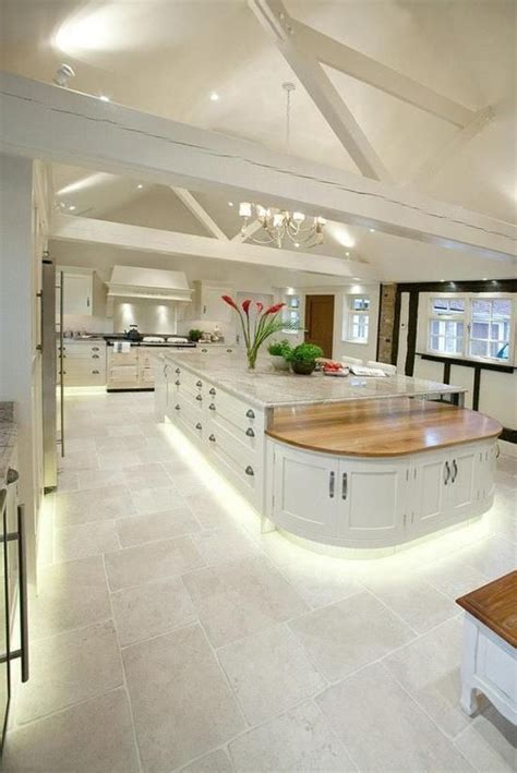 Large Kitchens Design Ideas 17 Best Ideas About Large Kitchens With Islands On Large Kitchen Design Luxury