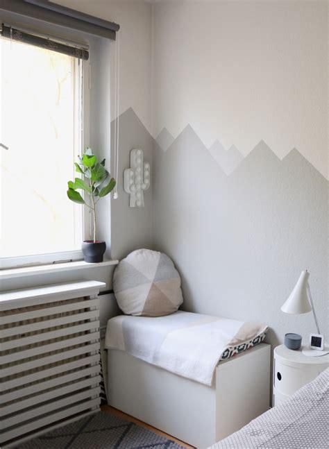 babyecke im schlafzimmer ideen mountain nursery wallpaint wandgestaltung im babyzimmer