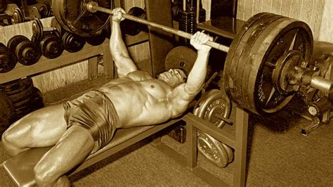 bench press workout for mass how many days a week should you work out