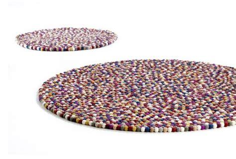 alfombra pinocchio alfombra pinochio coral negro de hay tendenza store
