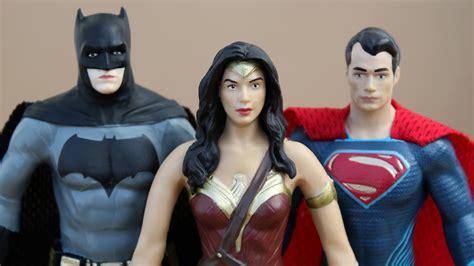 batman v superman bendable figures review