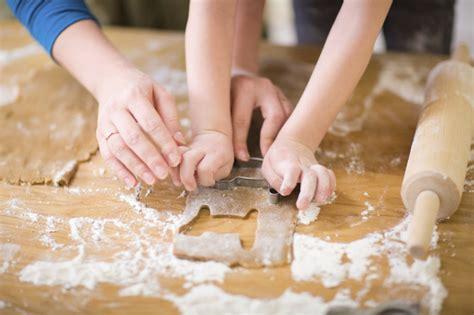 cucinare con bambini 18 cose i bambini possono fare da soli in cucina le